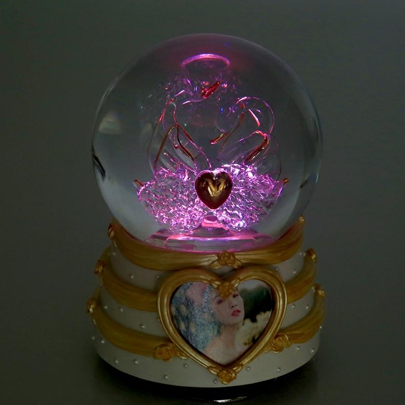 发光相框送女友女生生日礼物浪漫 双天鹅灯光水晶球音乐盒八音盒