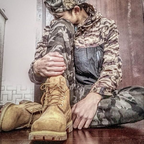 真皮防水大头牛皮情侣大黄靴休闲高帮沙漠马丁短靴男女手工装鞋潮