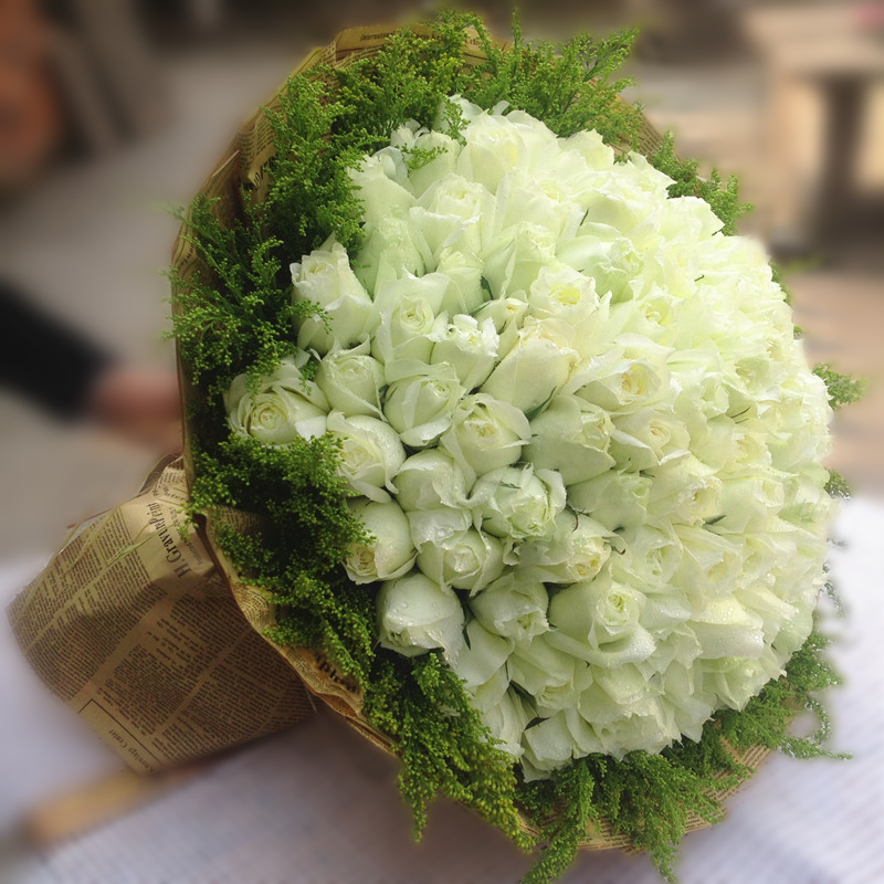 Buy bouquet of white roses suzhou beijing tianjin shanghai flower buy bouquet of white roses suzhou beijing tianjin shanghai flower delivery nationwide flower shop in hangzhou confession flowers home in cheap price on mightylinksfo