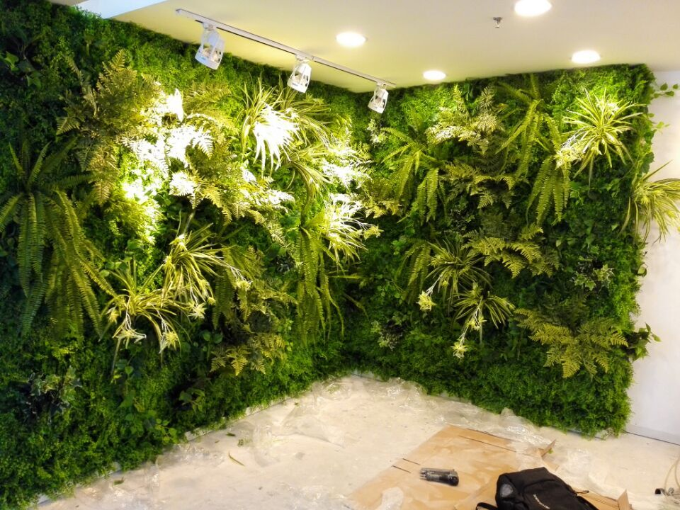 High Simulation Plants Artificial Wall
