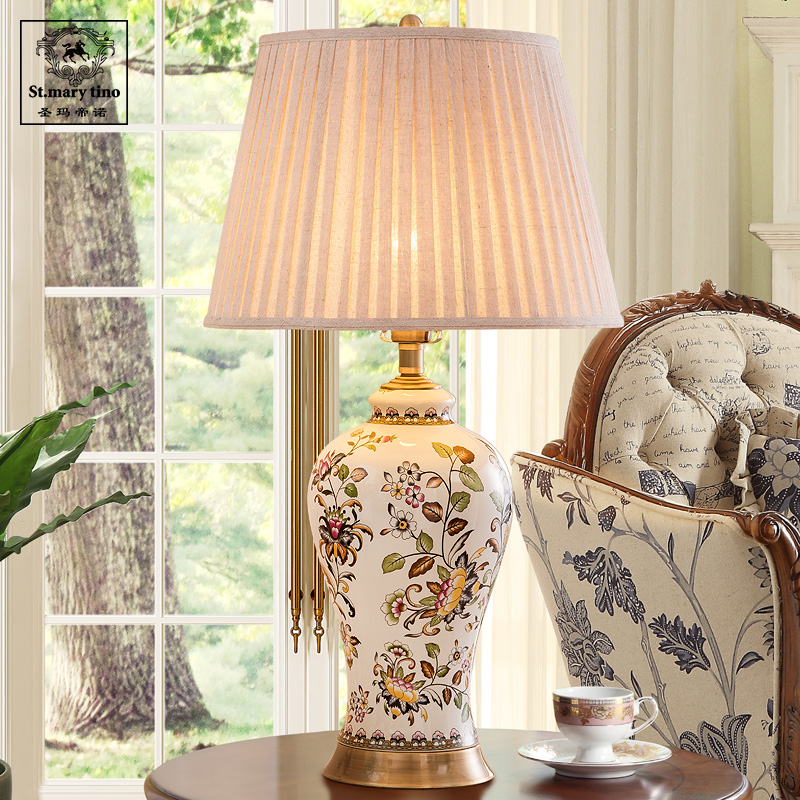 Chinese Handmade Painted Ceramic Table Lamp Living Room