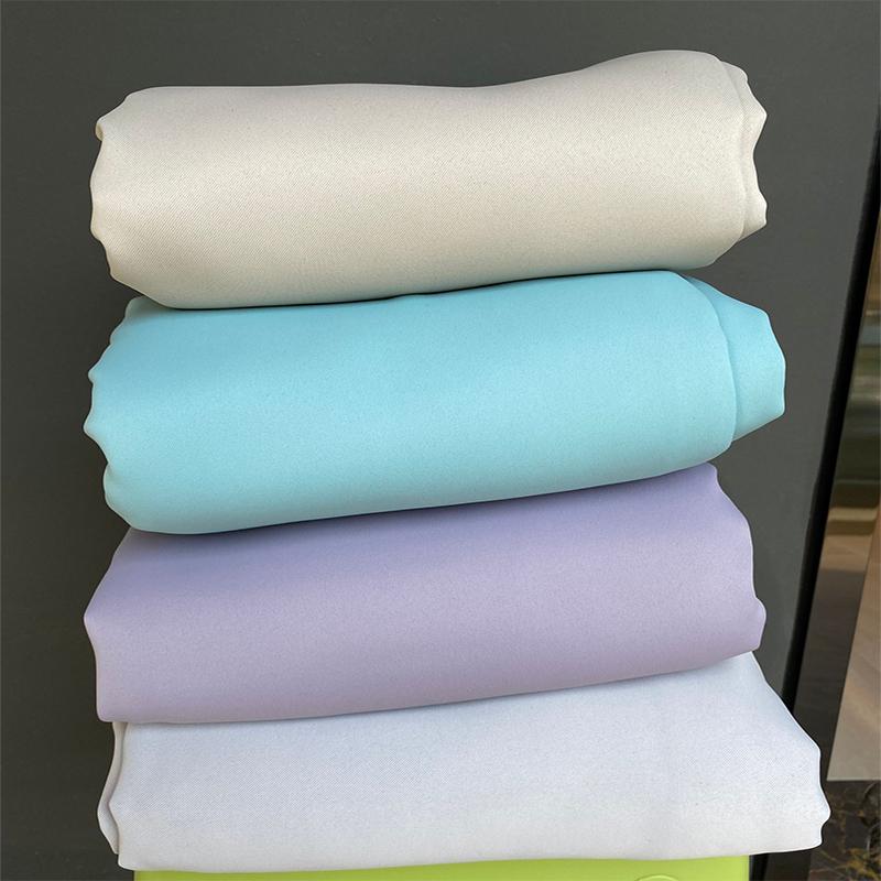 外贸尾货全遮光窗帘成品卧室阳台客厅遮光布99%遮光率挂钩式出口