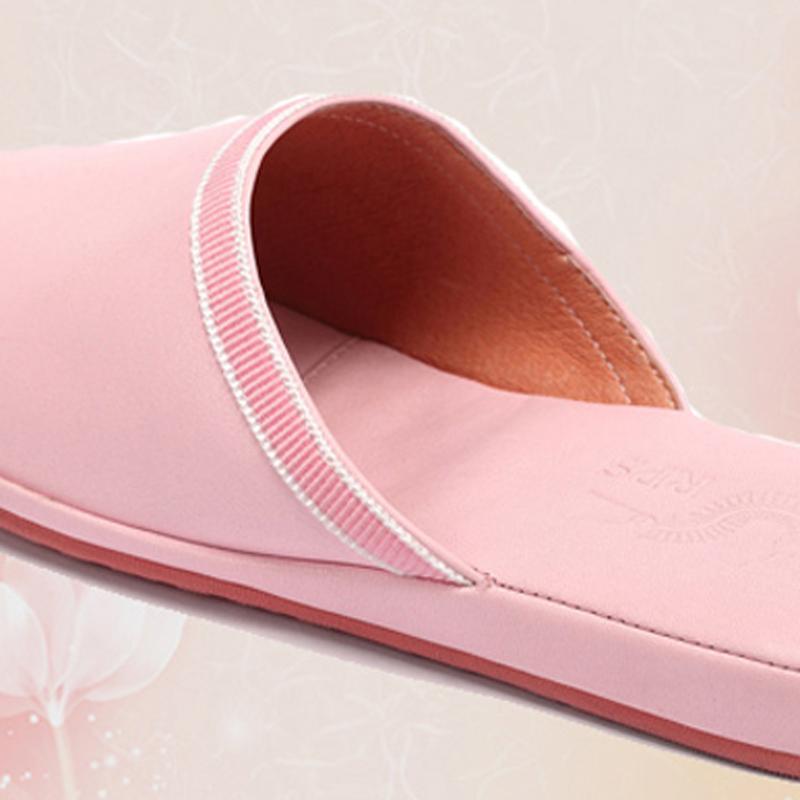多样屋女士春秋冬舒适居家柔软加厚保暖室内手工包头皮拖坡跟拖鞋