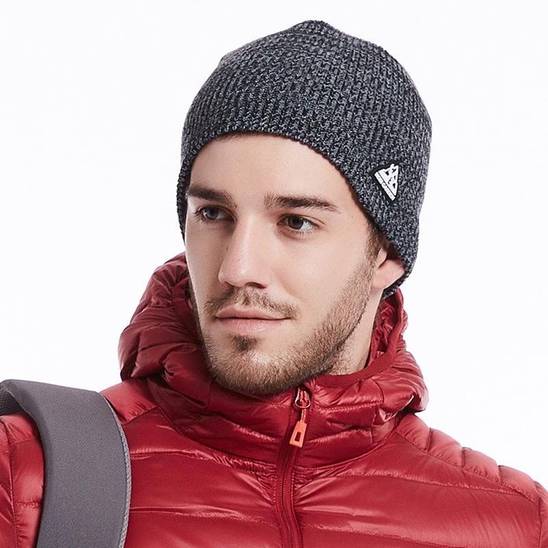 牧高笛户外毛线帽旅游徒步防风保暖男女通用配饰秋冬针织帽旅游帽