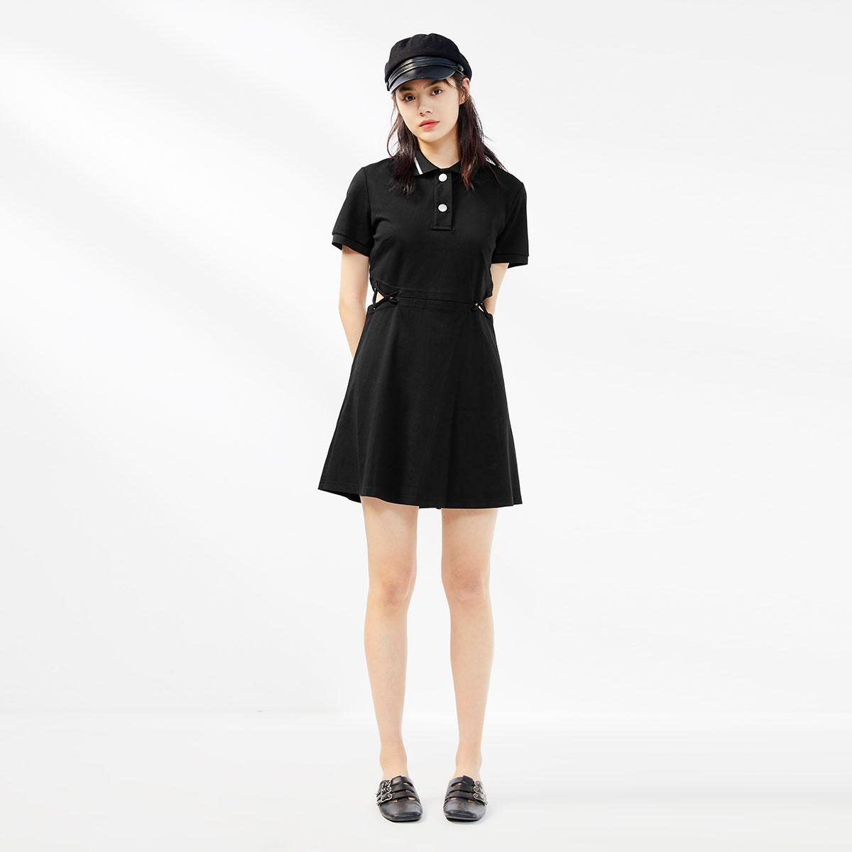 太平鸟黑色POLO领法式复古连衣裙2020春夏季新短袖气质显瘦连身裙