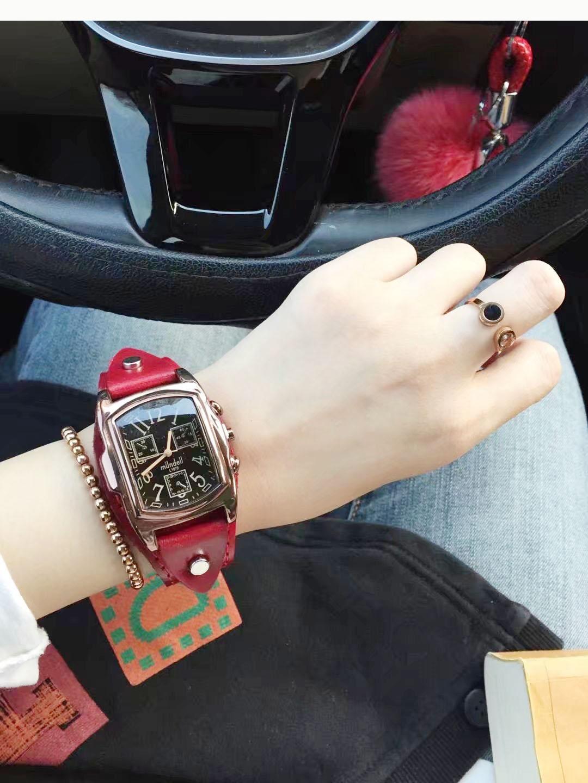 新款 2018 百搭款方形表盘黑盘宽表带国产女款春夏腕表石英手表包邮