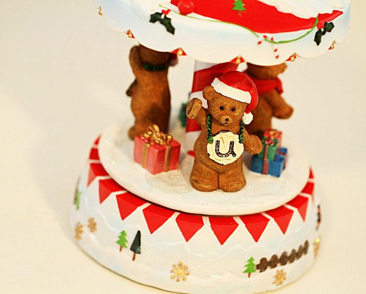 创意男女孩小朋友生日新年礼物 可爱三熊旋转音乐盒 加灯