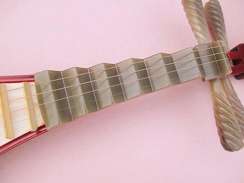 送配件厂家直销 优质红木白牛角轴贝雕琵琶 正品保障 艺海精品