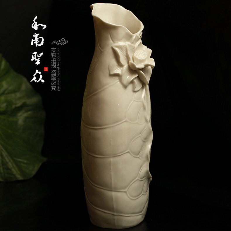 家居室内陶瓷装饰花瓶供佛堂花瓶插花器白瓷荷花瓶莲花瓶摆件包邮