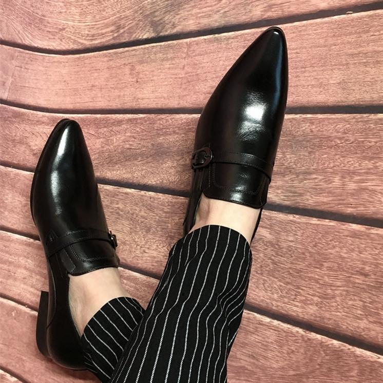 歐版搭扣皮鞋男尖頭真皮英倫風韓版髮型師潮流商務休閒夏季透氣。
