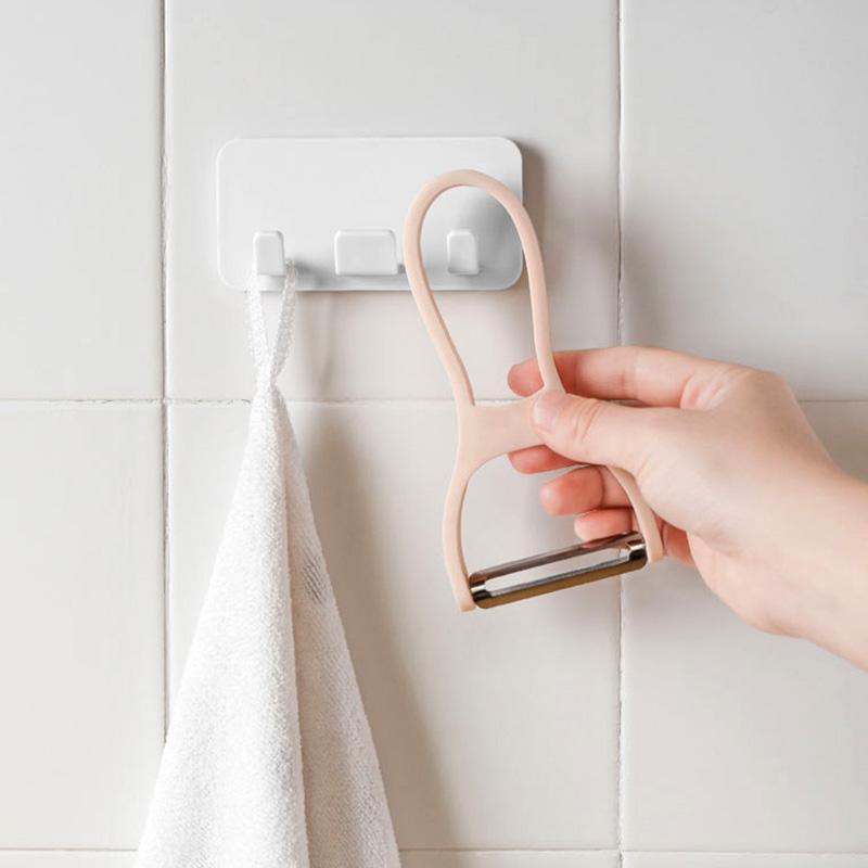 日本粘贴式电源插头挂钩厨房电器电线收纳挂架免打孔壁挂粘胶粘钩