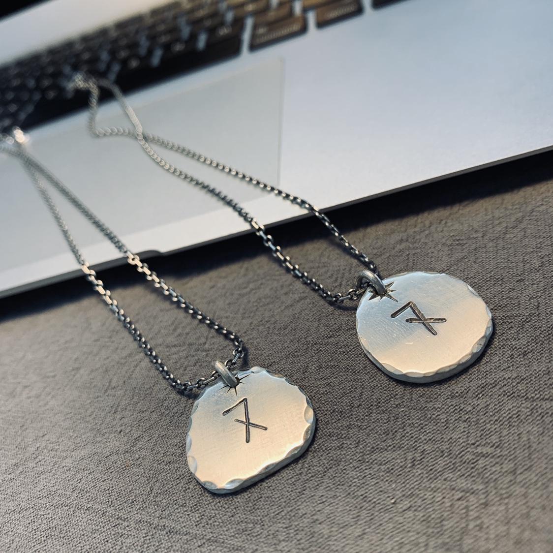 纯银手工定制复古文艺清新字母银牌吊坠挂件项链挂饰 不土