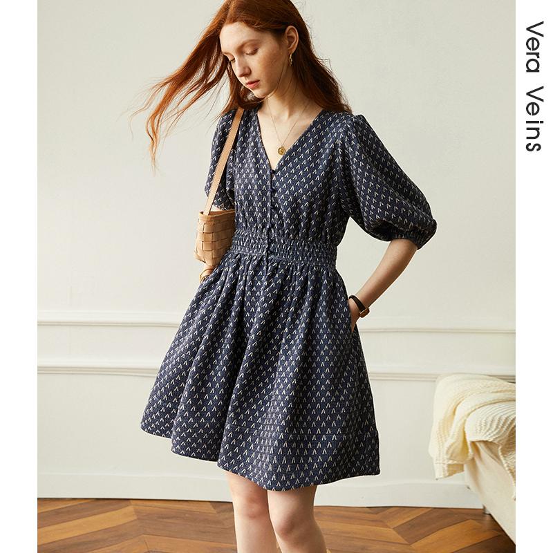 花泡泡袖法式收腰裙子