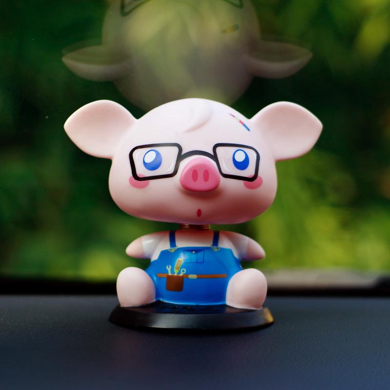 小猪培格汽车摇头公仔摆件内饰摆件个性公仔创意玩偶生日礼物