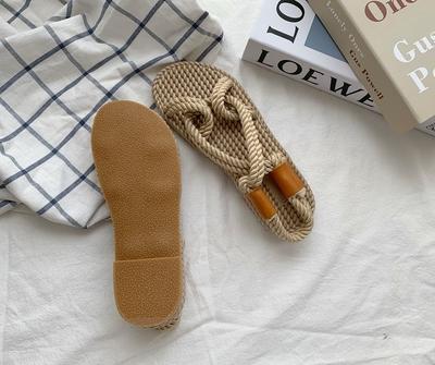 新款平底编织女凉鞋最新资讯