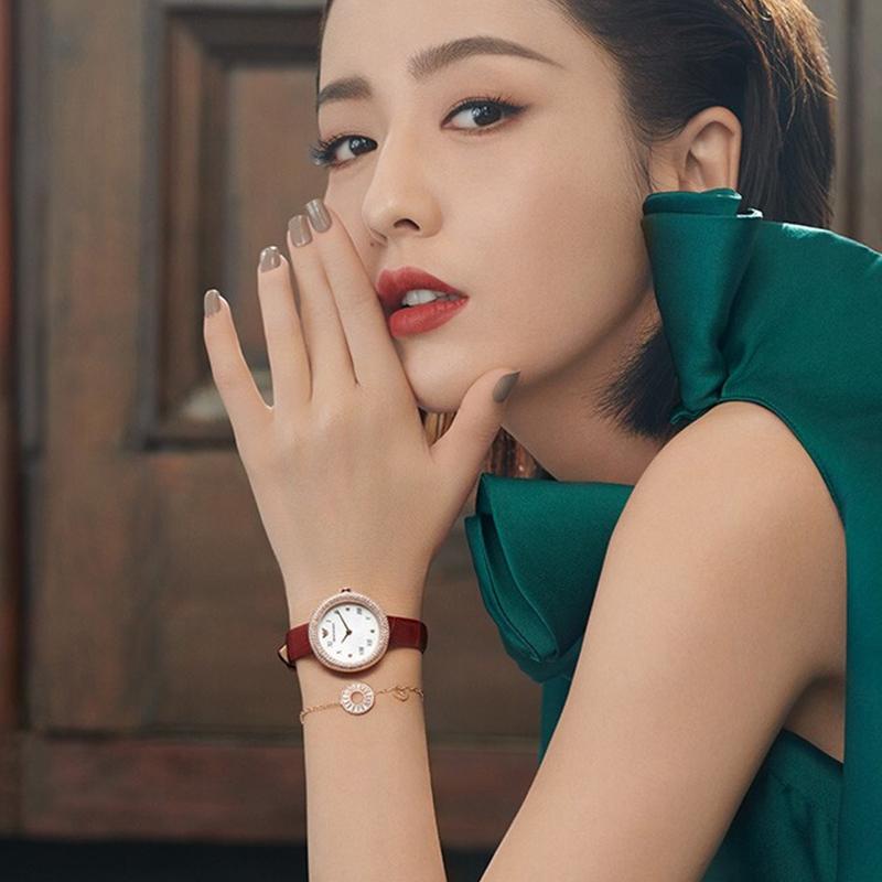 阿玛尼Armani玫瑰金佟丽娅明星同款复古镶钻小表盘手表女AR11357