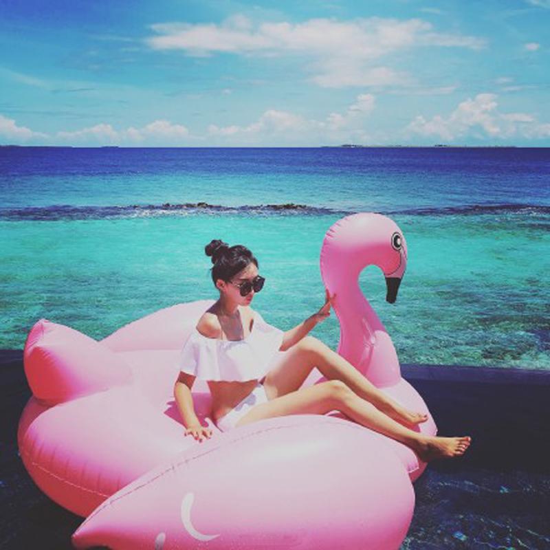 新款水上充氣火烈鳥白鵝坐騎超大浮床浮排躺椅成人游泳圈裝備包郵