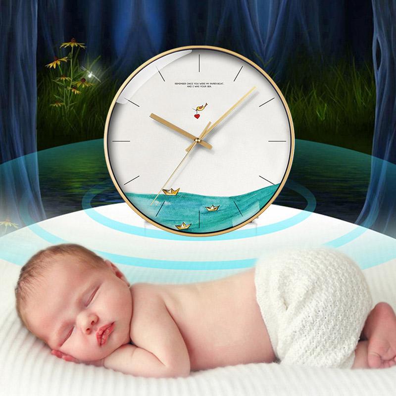 现代简约家用钟表挂钟客厅个性创意免打孔时钟卧室钟表挂钟超静音