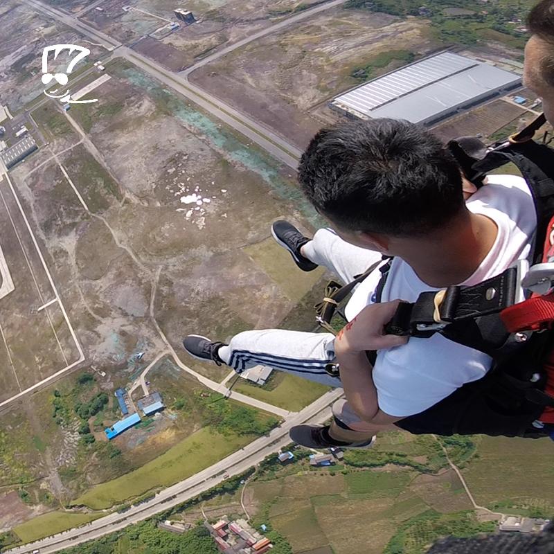 专业外籍教练 中国四川自贡千米高空双人跳伞国内 拖把儿