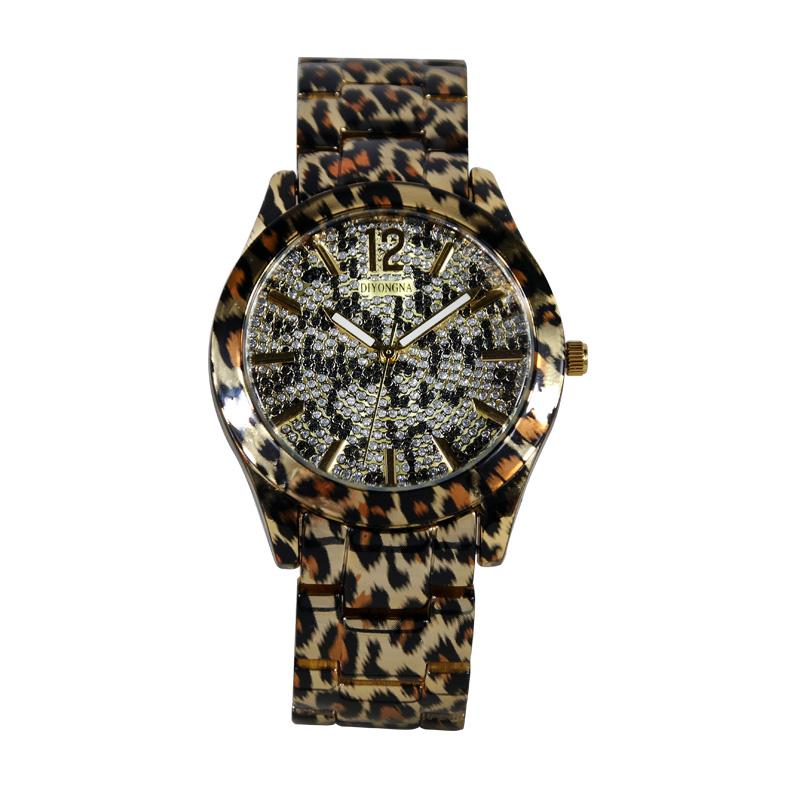 新款豹纹手表时尚个姓大表盘精钢镶钻手表进口机芯石英表女表