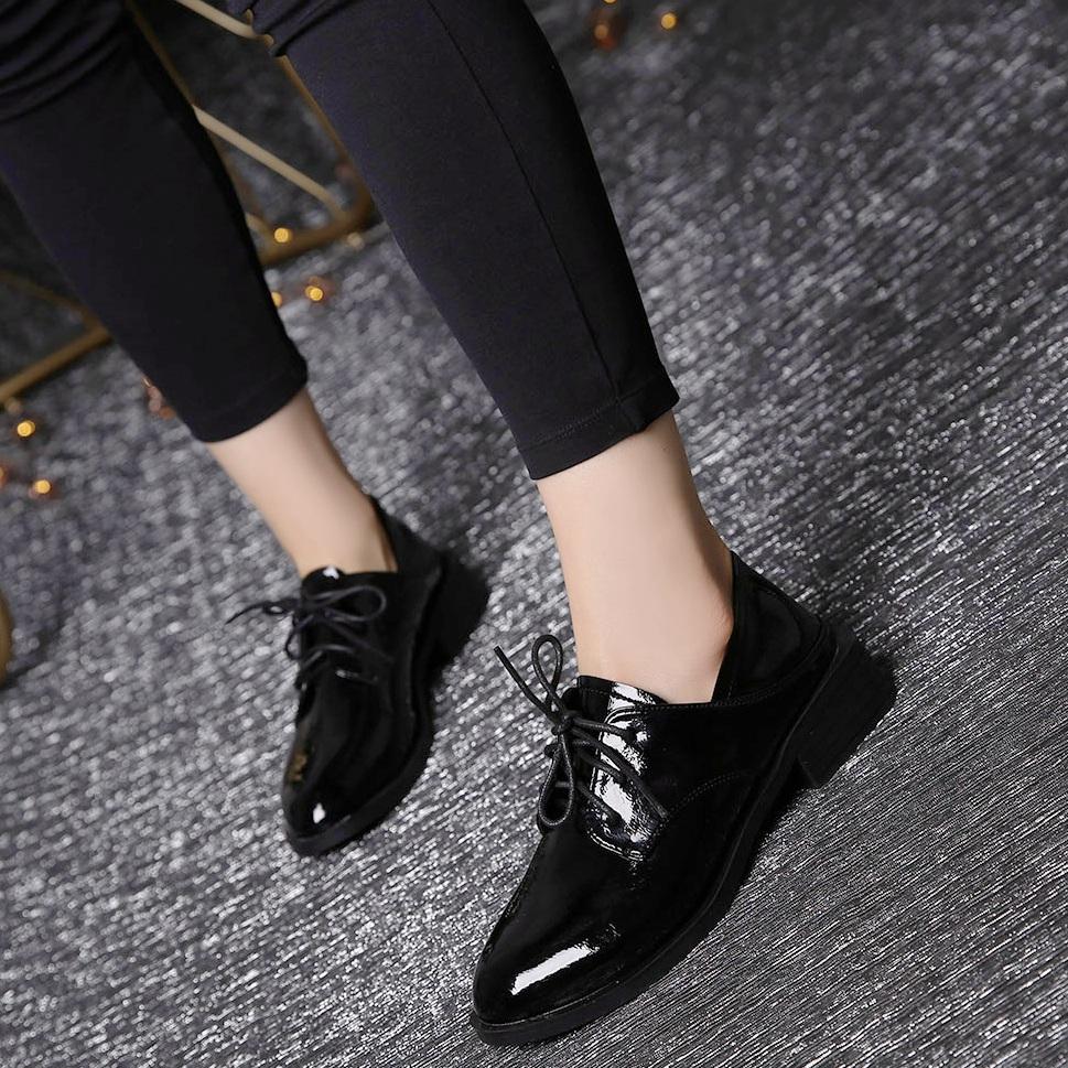 英伦学院风粗跟单鞋女中跟鞋2019春秋季新款漆皮圆头深口系带女鞋