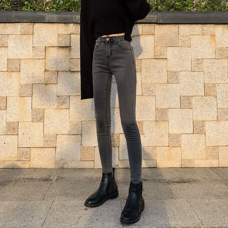 春装2020年烟灰色加绒牛仔裤女冬季2019新款高腰显瘦紧身小脚裤子