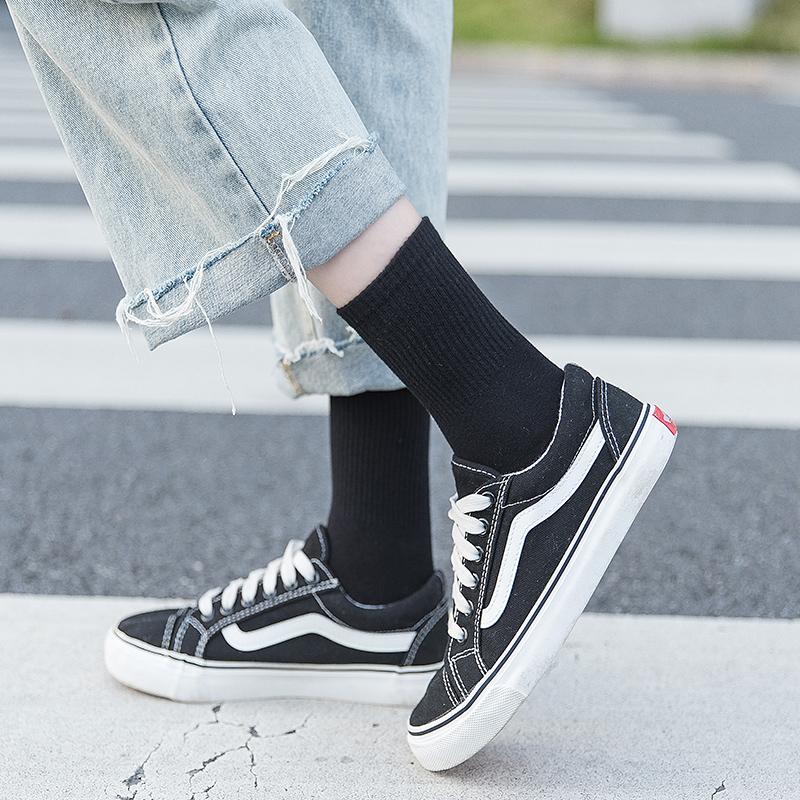 黑色袜子女中筒袜夏季薄款纯色高帮运动长筒袜ins潮街头白色长袜