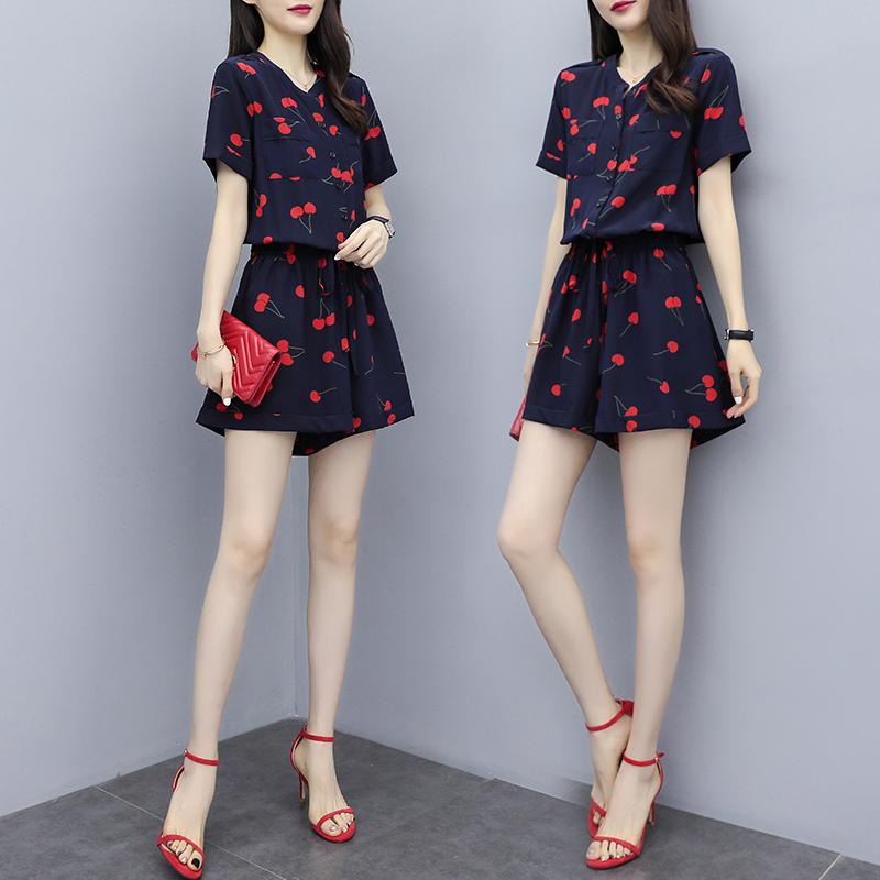 微熏服饰优创2020夏季新品印花短裤连体裤时尚气质显瘦高腰小个子