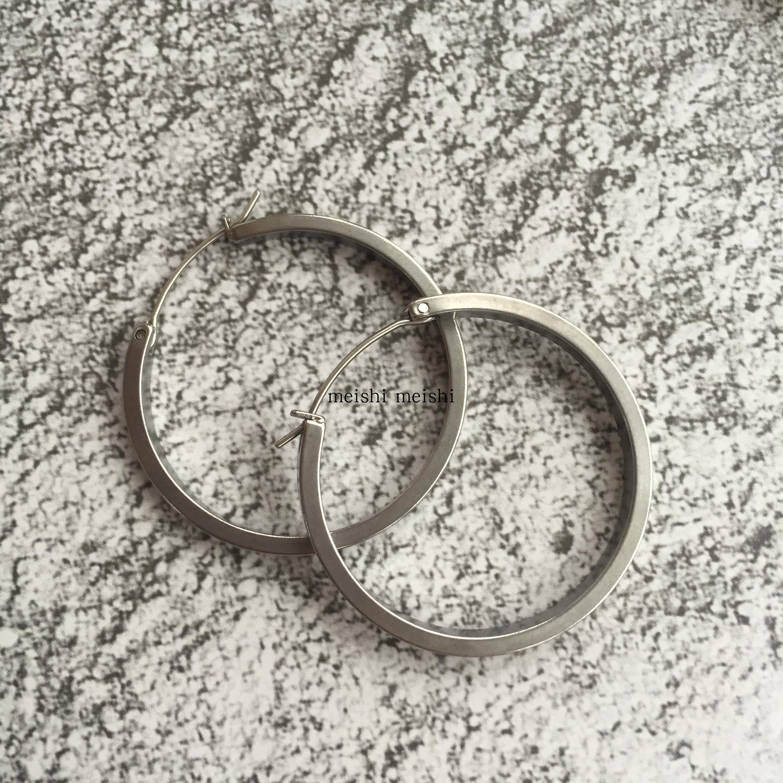 anna 同款塞琳风复古简约时尚大圆圈圆形金属钛钢耳环耳饰  mali