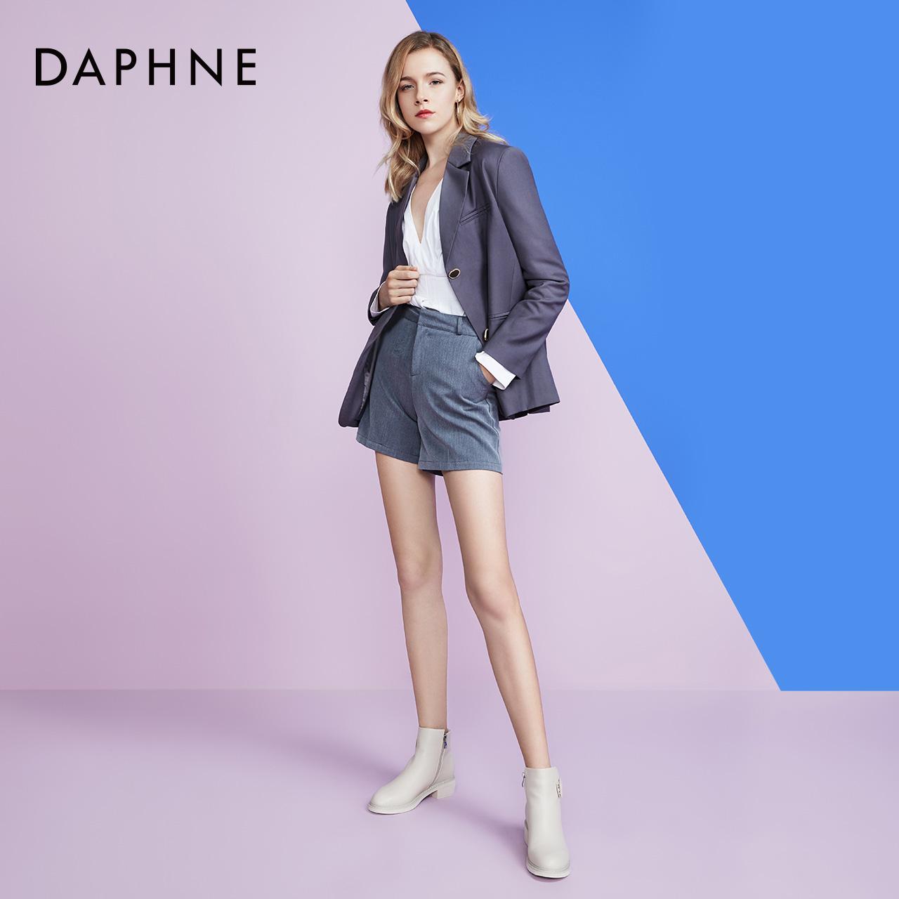 冬休闲短靴女绒毛内里粗跟时装靴轻便保暖女靴 2019 达芙妮 Daphne