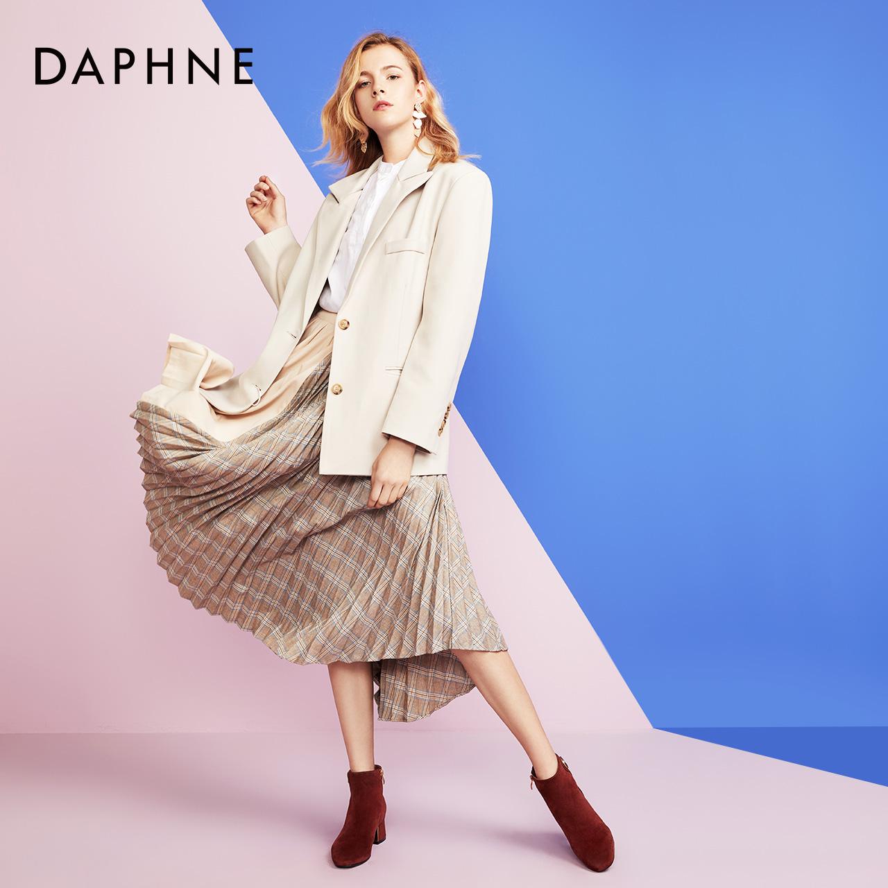 冬踝靴女方头粗跟时装靴绒面饰扣侧拉链短靴 2019 达芙妮 Daphne
