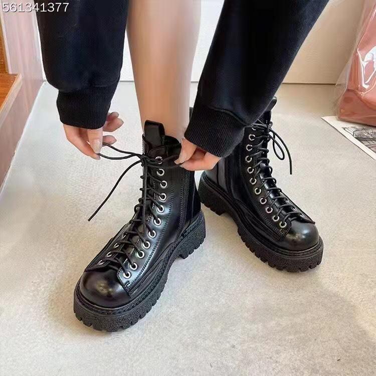 马丁靴女英伦风  复古圆头爆款靴子系带炸街短靴 2021  蛋蛋推荐