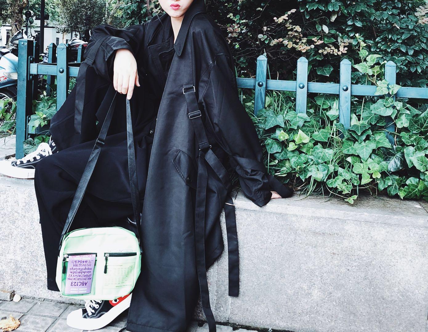 秋山本暗黑风中国质感风衣简约长袖纯色长款外套女 2018
