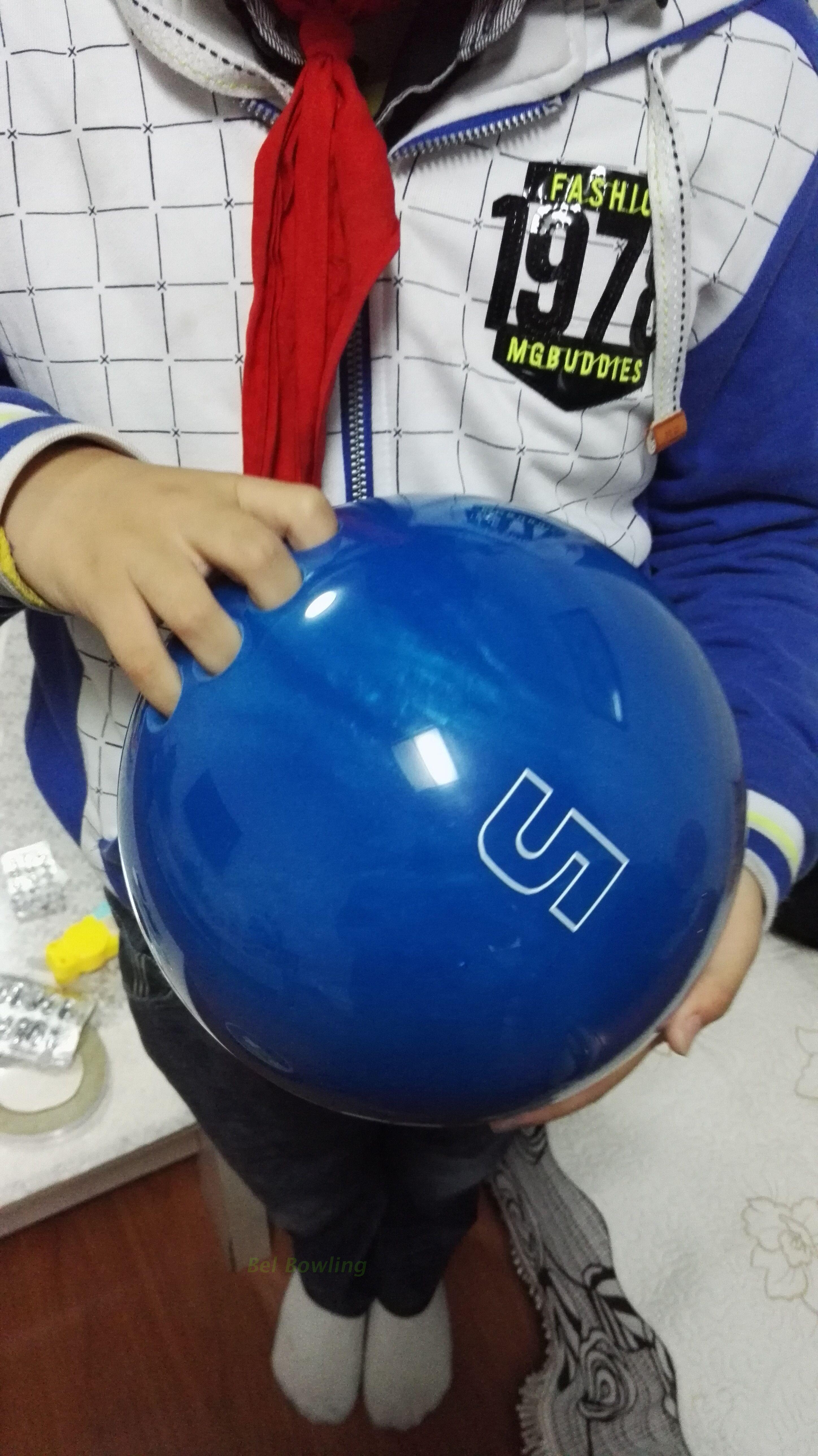 BEL保龄球用品 儿童专用轻磅保龄球4磅5磅 有5个手指头孔保龄球