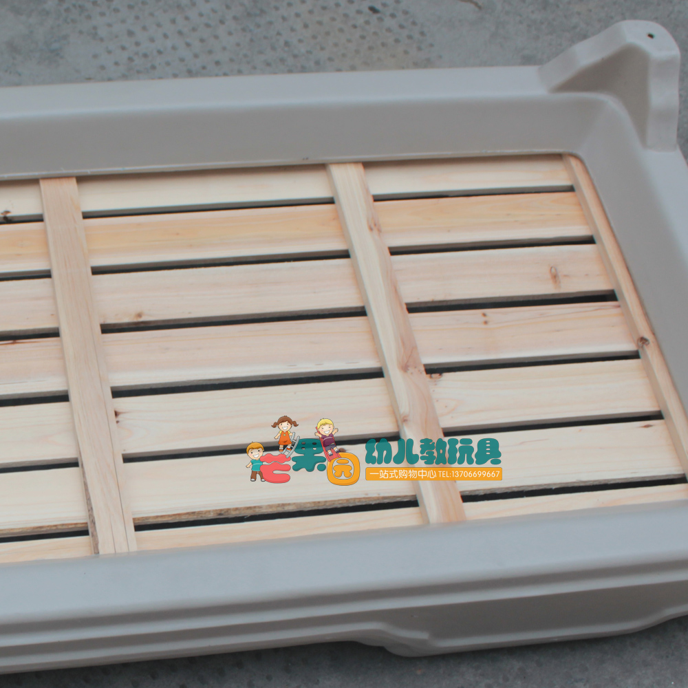 大风车儿童床 幼儿园专用床儿童塑料木板床午休床 滚塑料床 叠放