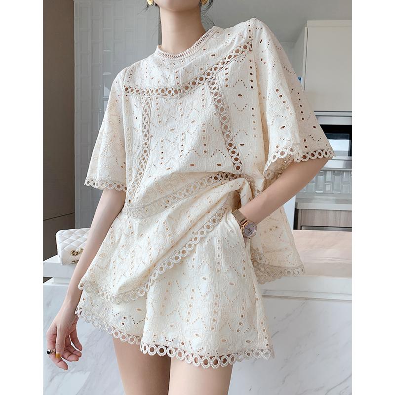 小香套装女2021年夏季新款镂空绣花洋气上衣短裤宽松韩版两件套