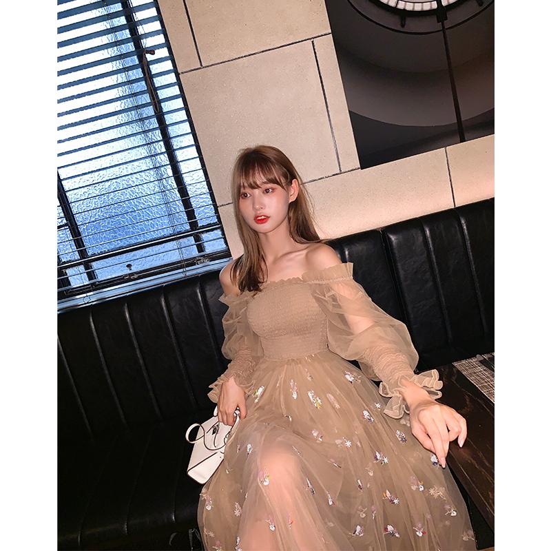 精美网纱刺绣连衣裙