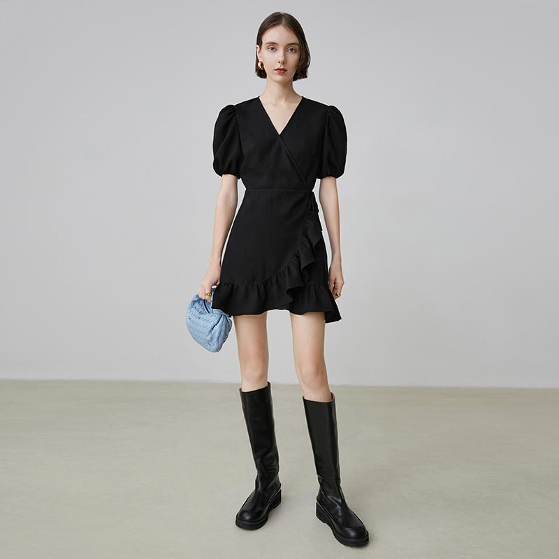 小众V领茶歇裙收腰小黑裙子女