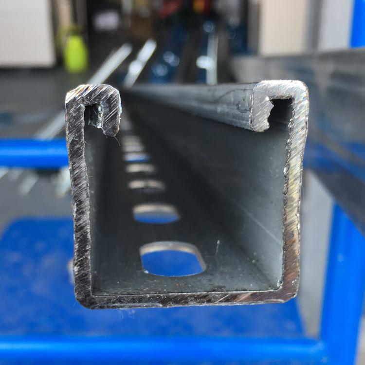 41*41*2.5镀锌冲孔C型钢 抗震支架配件 U型槽钢 冷弯型钢承重支架