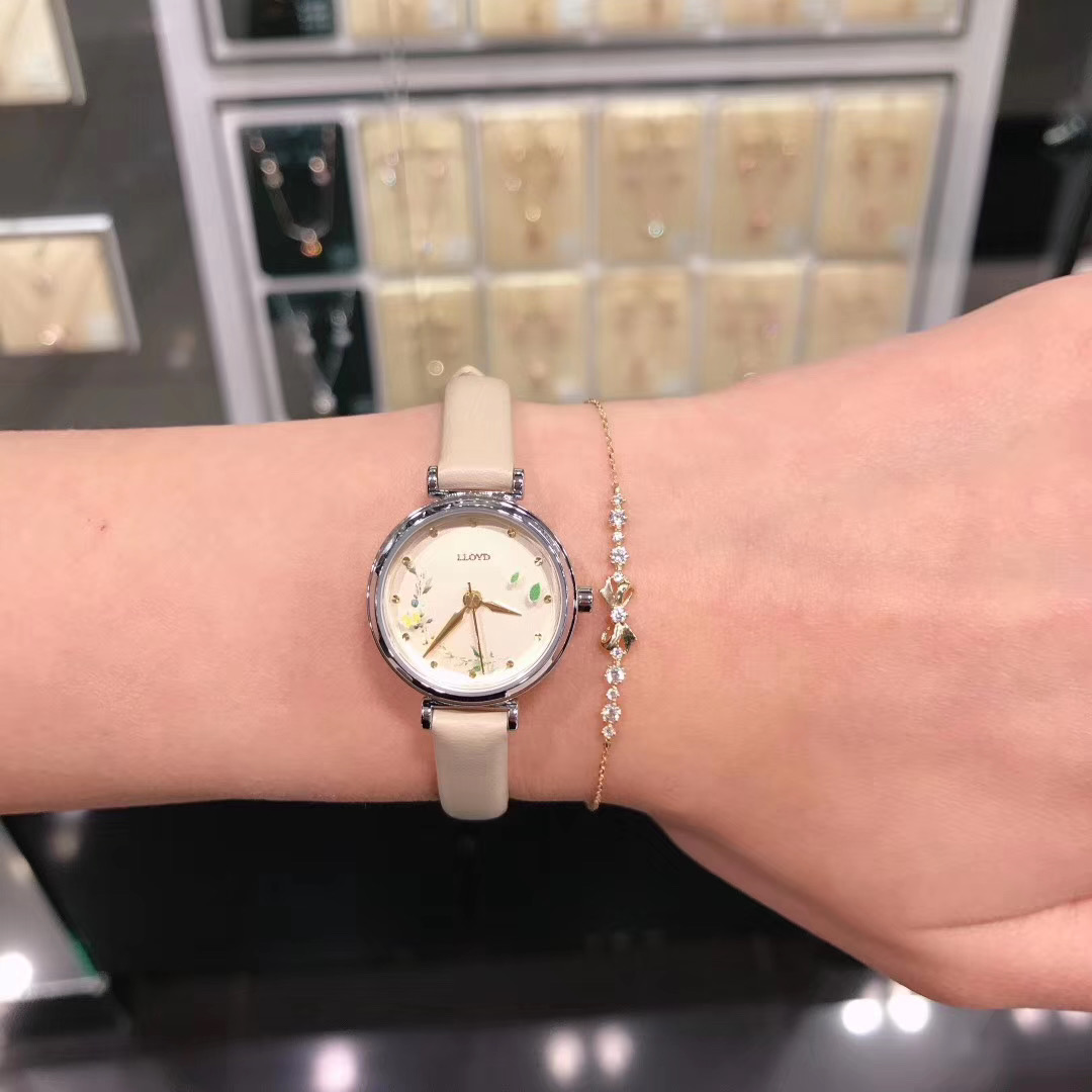 ins LLOYD 韩国采购日韩 皮带钢链唯美春花朵蝴蝶秒针女士手表腕表