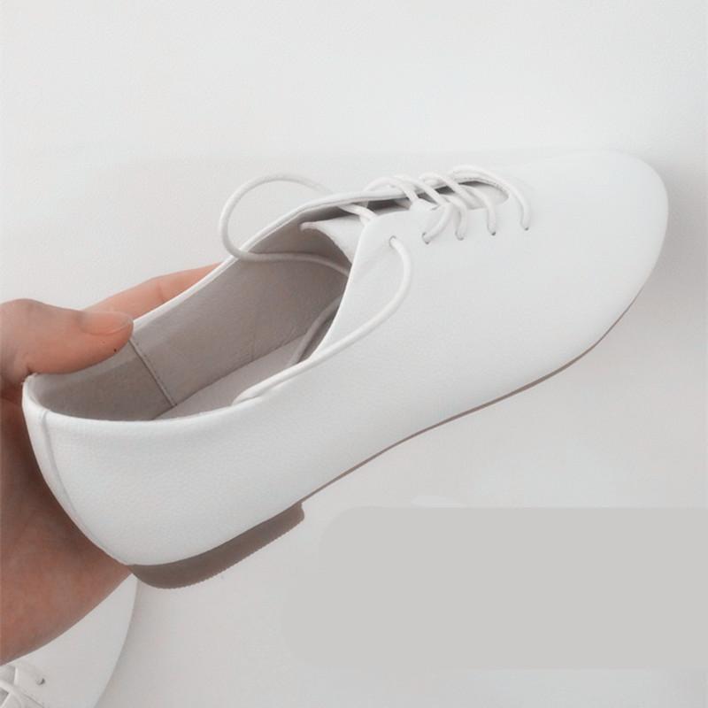 春季透气百搭平底小白鞋真皮白色系带女鞋圆头牛津鞋平底单鞋子