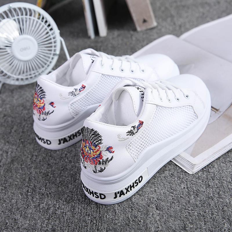 夏季新款低帮镂空透气小白鞋绣花平底系带休闲女鞋学生单鞋女 2018