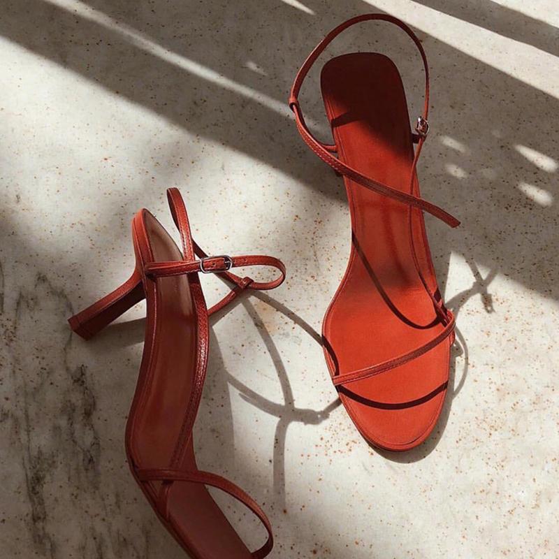 新款网红细跟高跟鞋一字带百搭小跟女鞋 2019 猫跟细带仙女凉鞋女夏