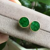 Green collar natural Burma jade A cargo round stud earrings 18K spicy green full of green Jin Xiang Yu Ping buckle round brand earrings