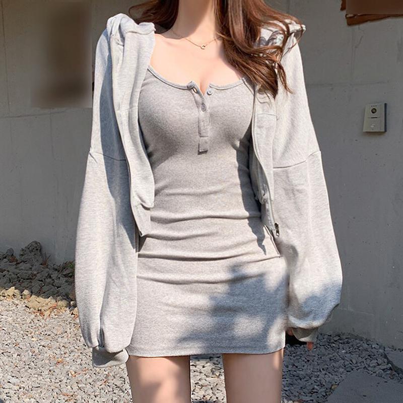 OM潮人馆时髦叠穿卫衣套裙街头风显瘦包臀吊带裙连帽外套两件套女