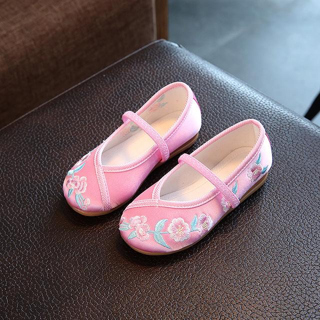 儿童绣花鞋老北京布鞋女 小孩手工布鞋复古中国风古装汉服舞蹈鞋