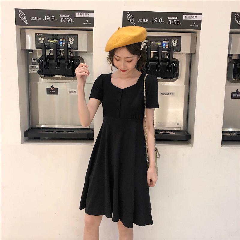 夏裝2019時尚百搭chic新款法國小眾收腰顯瘦短袖連衣裙小黑裙女潮
