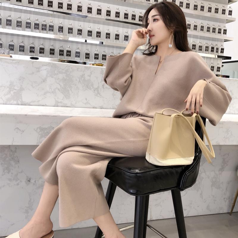安娜家2018秋季新款简约V领蝙蝠袖针织衫宽松休闲裤针织套装女装