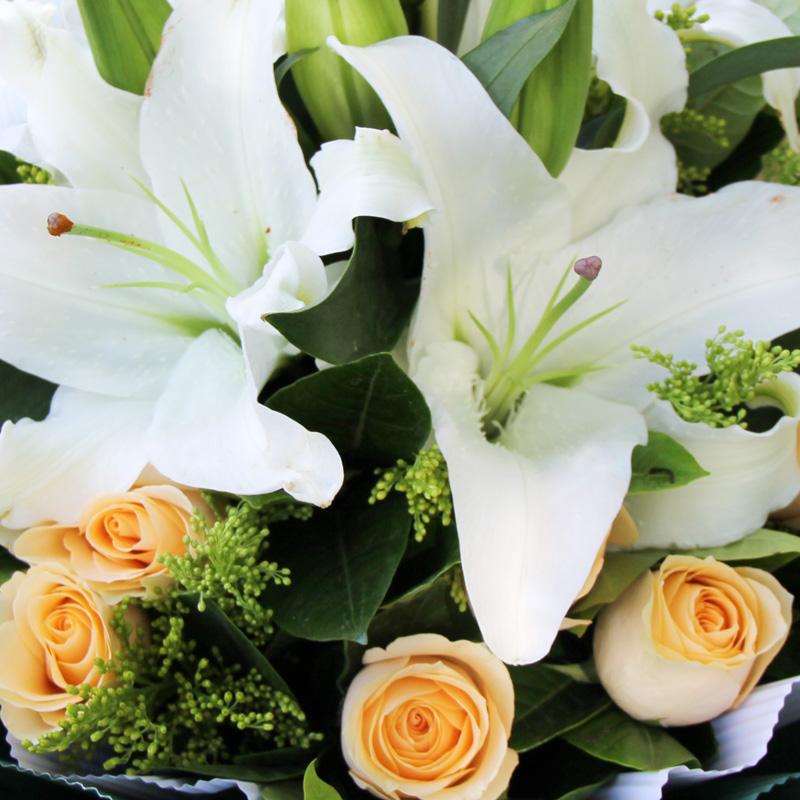 香槟玫瑰百合花北京鲜花同城速递广州上海鲜花店南昌宁波苏州送花