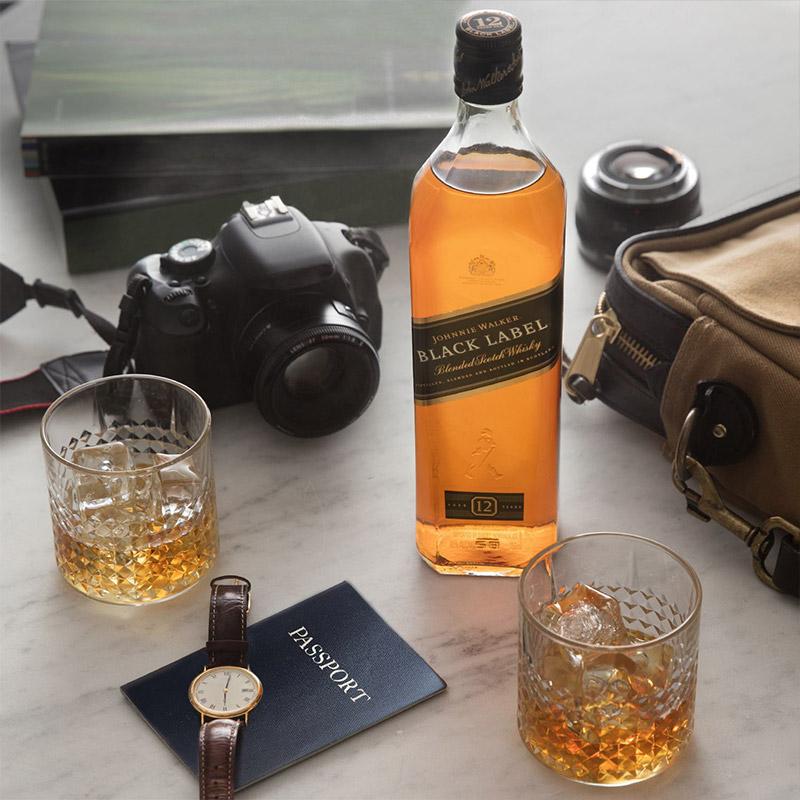 史低!英国原产,12年陈酿:700ml 尊尼获加 黑牌黑方苏格兰威士忌